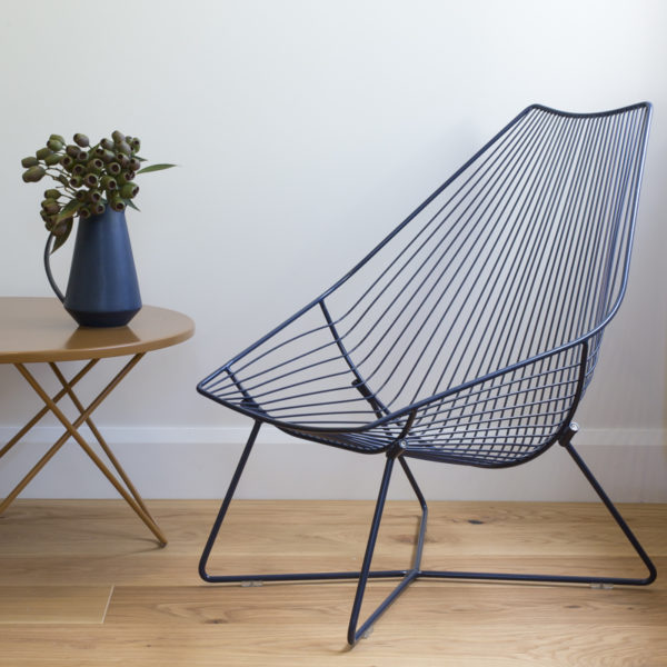 mid century style outdoor wire lounger chair in Ink colourway