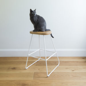 White Woodbury kitchen barstool, wire legs, solid oak rounded top