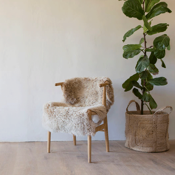Honey coloured sheepskin throw - New Zealand wool