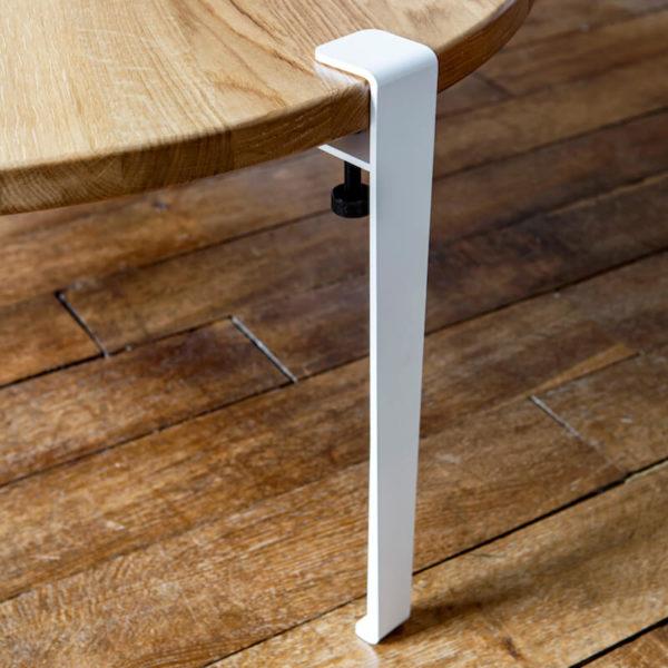Screw on metal legs by TIPTOE - colour white